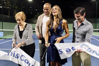Mónica Puig reabre canchas de tenis del Caribe Hilton que llevan su nombre