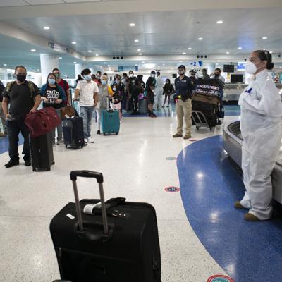 Reina la confusión entre pasajeros que arriban a la Isla