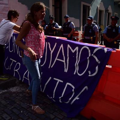 La Colectiva Feminista en Construcción se manifiesta frente a Fortaleza
