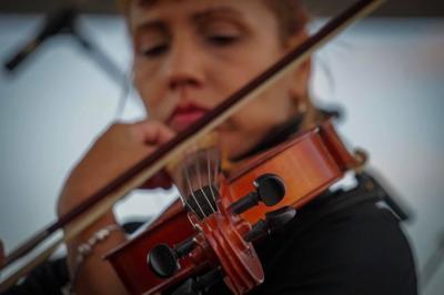 Músicos de la OSPR comparten su talento por redes sociales