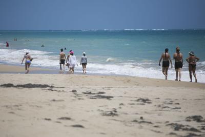 Tranquila apertura en algunas playas