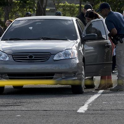 Doble asesinato en estacionamiento de Plaza Carolina