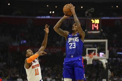 Clippers doblegan a Knicks con histórica aportación