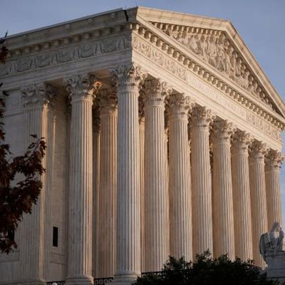 Corte suprema falla a favor de deportistas universitarios