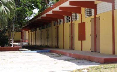 Se salvan del cierre escuelas en Arecibo