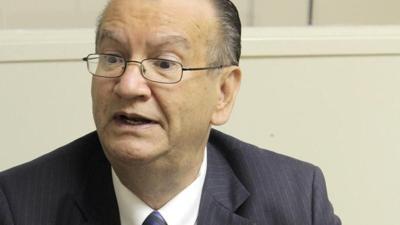 Dr. Enrique Vázquez Quintana