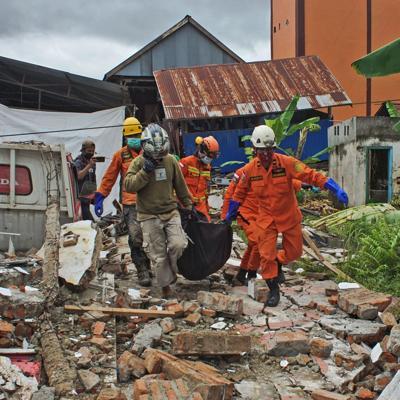 Al menos 34 muertos por un sismo en Indonesia