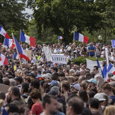 Extrema derecha protesta de Francia protesta contra la vacunación obligatoria contra el covid-19