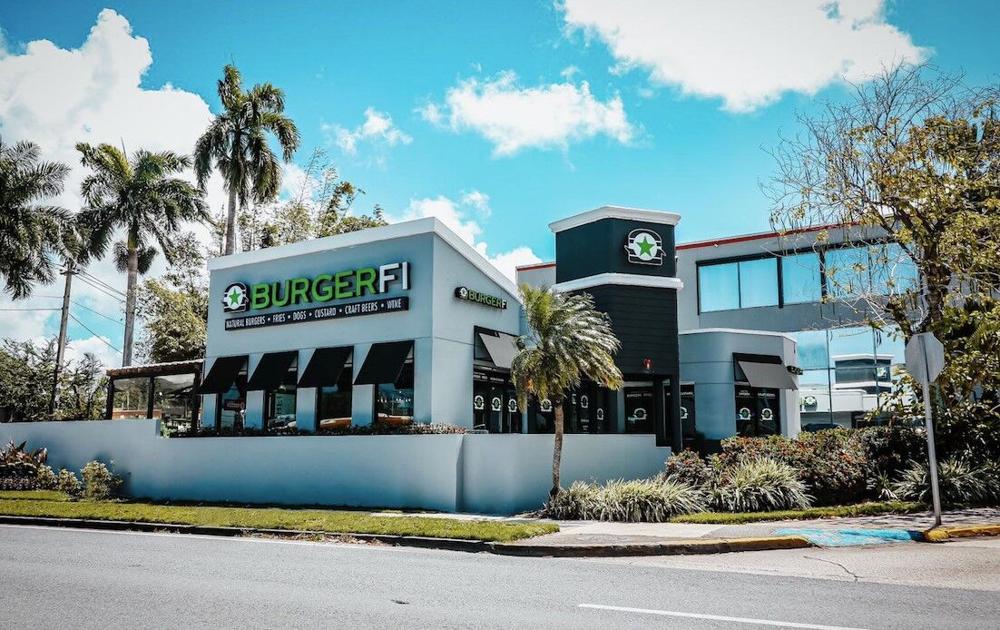 BurgerFi continúa expandiendo en la Isla