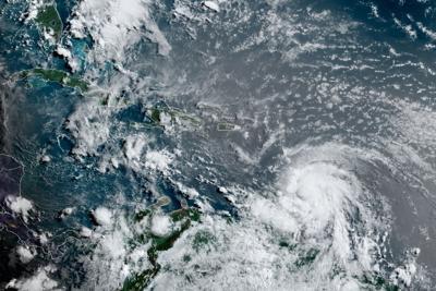El huracán Elsa aumenta sus vientos a 85 millas por hora