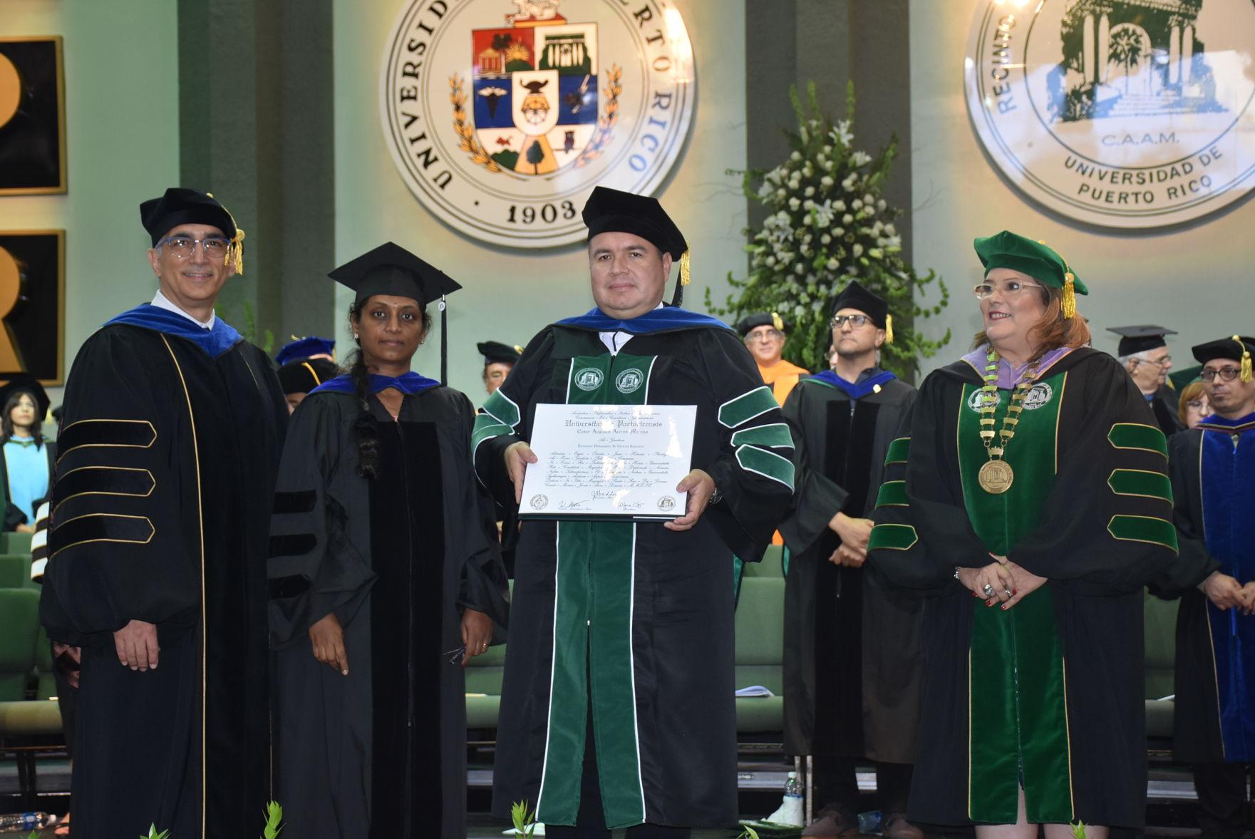 Otorgan primer doctorado en Ingeniería Eléctrica en el RUM