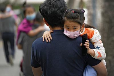 China podría comenzar a vacunar a niños contra el covid-19