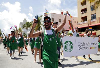 Más ciudades de EEUU les abren las puertas a parejas gays