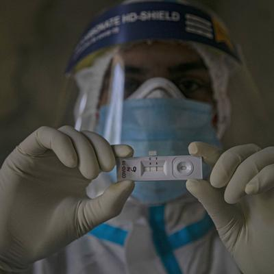 India reporta 96,424 nuevos contagios de Covid-19