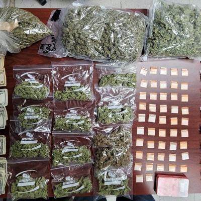 Ocupan bolsas de cocaine tras allanamiento en Jayuya