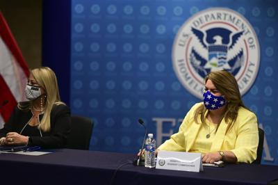 Gobernadora y Jenniffer González