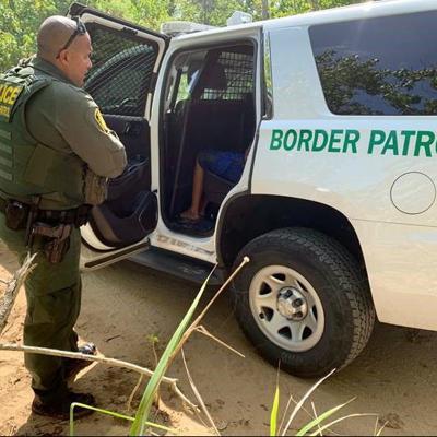Agente fronterizo mata a conductor de tráiler en Texas
