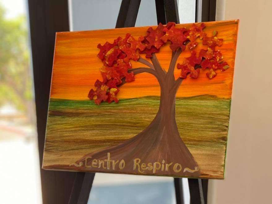 Varios pacientes con Alzheimer exponen sus trabajos artísticos en la alcaldía de Fajardo