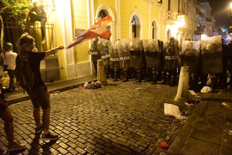 Saldo de actos violentos en manifestación contra Rosselló
