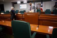 Tribunal ordena comparecencia de empresa 313 LLC ante la Cámara