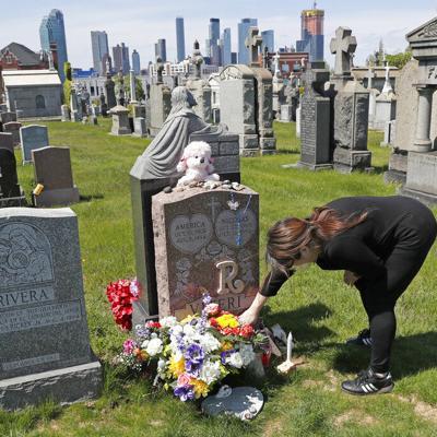 Disminuyen lentamente muertes diarias por coronavirus en Nueva York