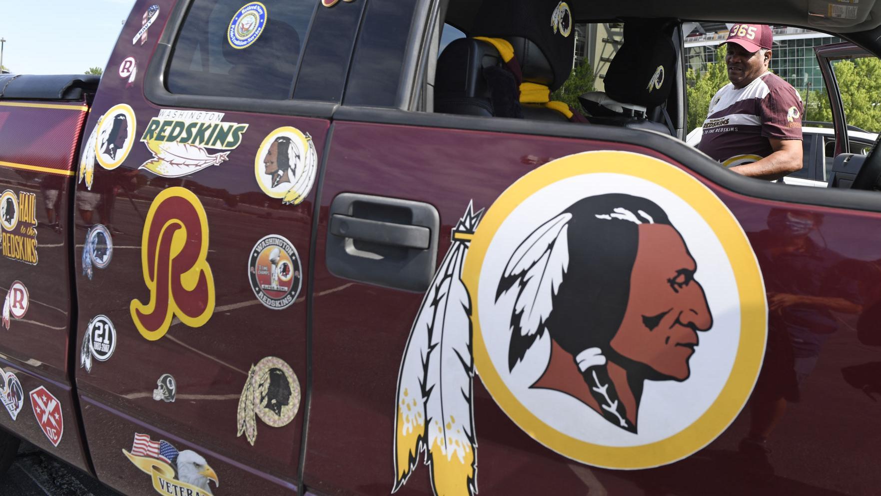 Washington renuncia al nombre Redskins tras 87 años