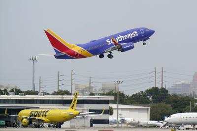 Persisten pérdidas de aerolíneas por la pandemia