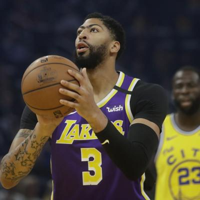 Davis guía a Lakers a su séptima victoria al hilo