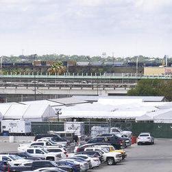 Texas: Inician audiencias para migrantes en cortes móviles