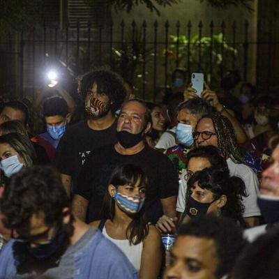 Gobierno recibe a artistas que piden más tolerancia en Cuba