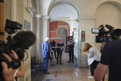 Francia: cuatro meses de cárcel al hombre que abofeteó al presidente Emmanuel Macron