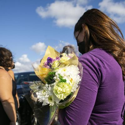"""""""Vístete de violeta"""": el llamado a decir basta a la violencia contra la mujer"""