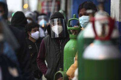 Perú contratará médicos y enfermeros extranjeros por coronavirus