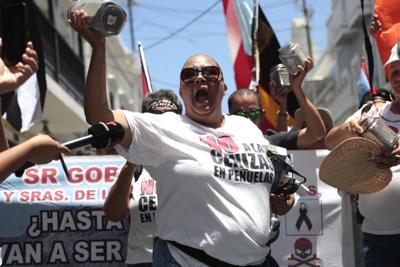 vr-08-05-006protesta1ft.jpg