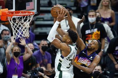 Los Bucks buscan revertir en casa la desventaja de 2-0 ante los Suns