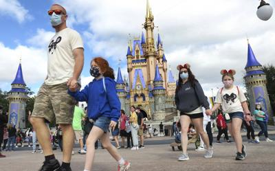 La Casa Blanca debate si recomendar el uso de mascarillas para los vacunados
