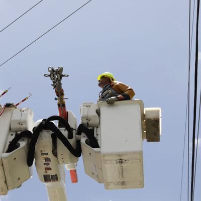Otro apagón afecta a miles de clientes de AEE