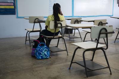 En alerta tres escuelas de Comerío por casos de covid-19