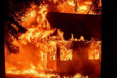 Los vientos avivan el mayor incendio de California mientras las llamas obligan a evacuar a miles