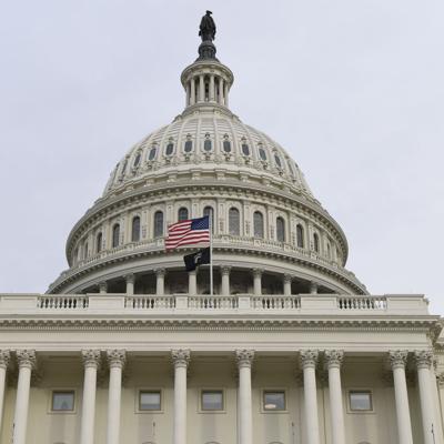 Congreso exige no usar fondos militares para el muro