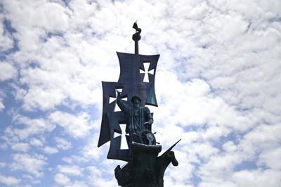 Acuerdo cercano en pleito por la estatua de Cristóbal Colón