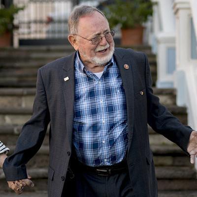 Mal aspectado un proyecto de estatus en el Congreso, según Don Young