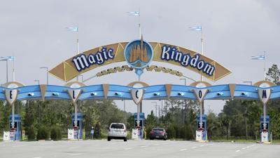 Disney reporta caída de ingresos de 42% en trimestre