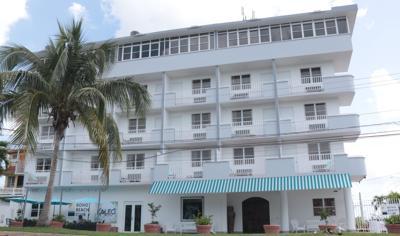 Club bohemio y  relajado en  Cabo Rojo