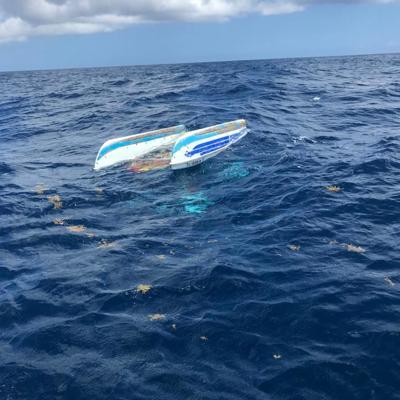Se vuelca catamarán cerca de Culebra