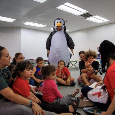 Niños refugiados aprenden sobre preparación de desastres