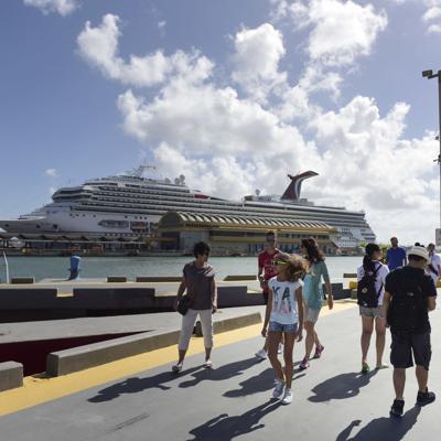 Carnival reduce operaciones en la Isla