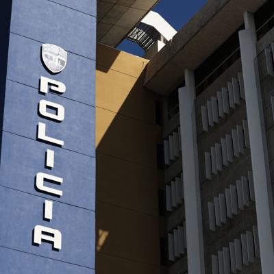 Le roban auto a anciana en Santurce