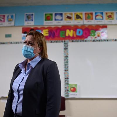 Secretaria de Educación visita escuelas públicas