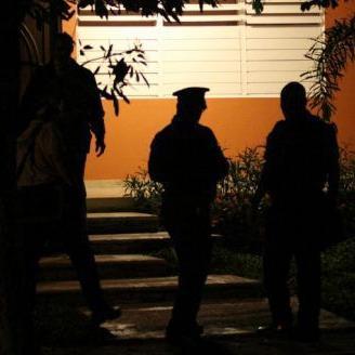Investigan violento robo domiciliario en Bayamón
